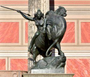 Amazone zu Pferde (August Kiß, 1842) vor Altem Museum Berlin, Foto: Barbara Herrenkind