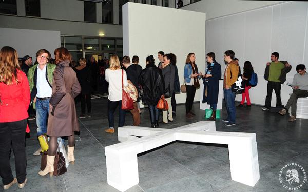 18 oktober 13 dezember 2012 ausstellung expanding. Black Bedroom Furniture Sets. Home Design Ideas