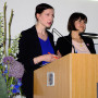 Absolventenfeier, Stefanie Gerke und Luisa Feiersinger, Foto: Tina Zürn