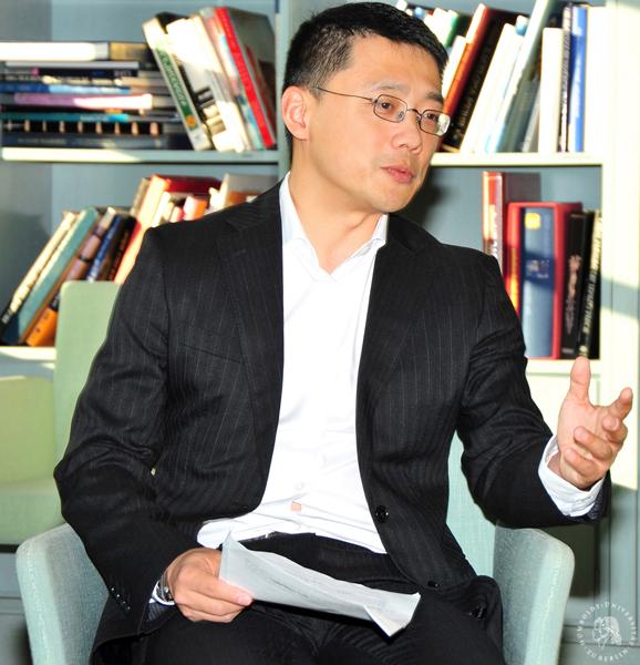 Dr. Wei Lü Berlin